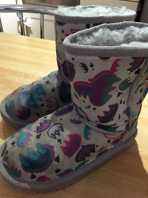 Authentic Girls Ugg Australia T Classic Short Graffiti Boots UK 10 EU28