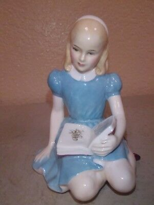 """Vintage ROYAL DOULTON """"Alice"""" - 5 1/2"""" Tall/Lewis Carroll's Alice In Wonder Land"""
