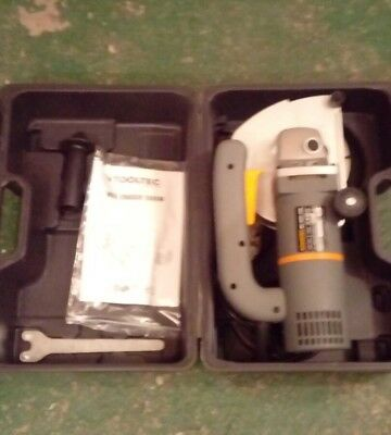 ToolTec Heavy Duty 1300W 240v Electric Wall Chaser