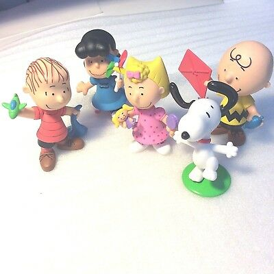 "Peanuts Charlie Brown & Friends 3"" Collectible 5 Total Toy Figures"