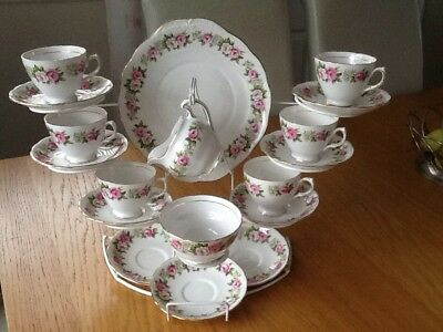 Pretty Vintage Colclough Bone China Cups And Saucers