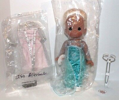 """Disney Frozen Elsa Precious Moments 12"""" Doll With Stand & Alternate Outfit #5007"""