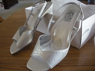 "DRESS SHOE Mother of  BRIDE  SHOE 7 1/2 w brand new 2 1/2 ""heel"