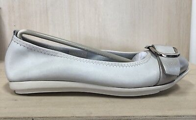 NEW Django And Juliette White And Silver Leather 'Duffle' Slip On