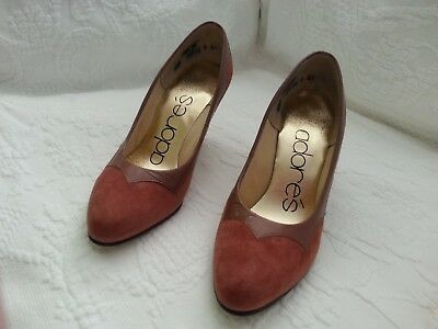 Vintage ADORES suede and leather ladies heels pumps shoes size 4 1/2 M
