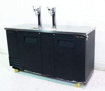 Used True TDD-3 Two Door Draft Beer Cooler w/ Two Tap Towers