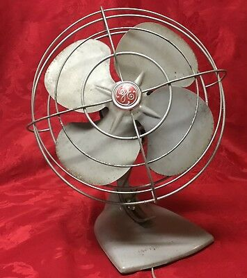 Vintage 1950's GE General Electric Oscillating Desk Fan F14S125 - Works