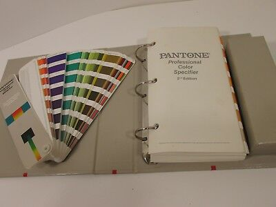 VTG Pantone Professional Color Guide 2nd Edition 1984