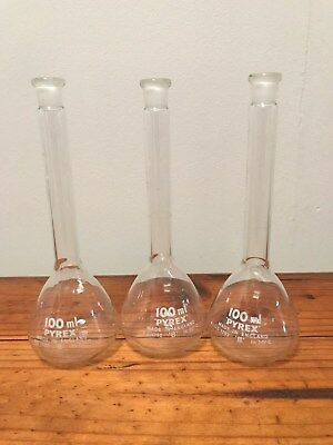 3 Pyrex 100 ml flasks Vintage Glass chemistry Industrial Upcycle England