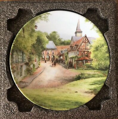 Decorator Collector Plate – 21.5 cm – Sunday in a Village – 1987 – Michel Julien