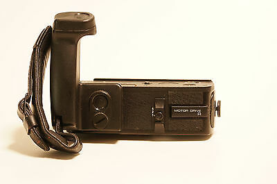 Leica Motor Drive R mit Handgriff, with hand grip