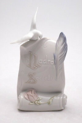 Lladro 7677  Art Brings Us Together Scroll Dove Quill