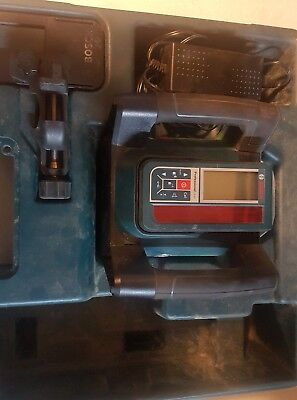 bosch GRL500H  professional rotating laser level with LR50 remote charger case