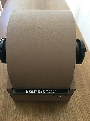 Metal Vintage Rolodex 2254D no key BAKELITE Roll Top Rotary Organizer blank card
