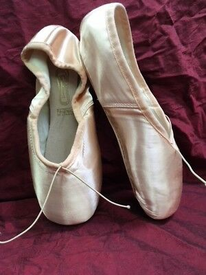 Freed of London Pointe Shoes Classic Pro90 5.5XX, Y Maker