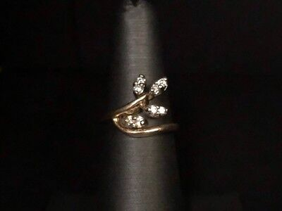 14k Yellow Gold Ladies Leaf Ring with Diamonds 3.19g Size 6