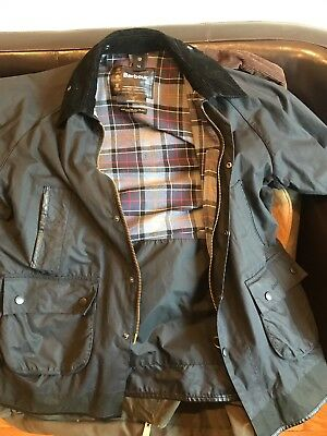 Custom Barbour Bedale Jacket Size 42R in Black - Excellent Condition