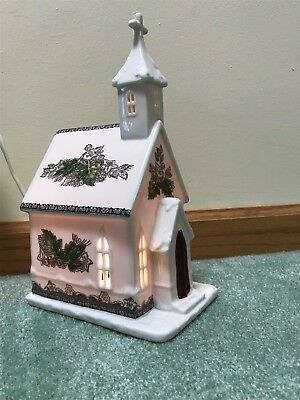 Johnson Brothers Bros THE FRIENDLY VILLAGE Lighted Church House EUC