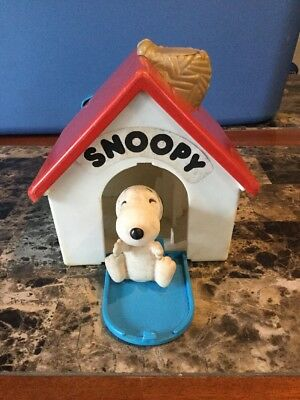 Vintage 1972 Hasbro Snoopy Dog House Romper Room Snoopy Pop Out