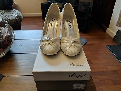 """Ivory """"Lily"""" Wedding Shoes (Size 5)"""