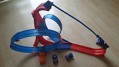 Hot Wheels Rev Ups 2er Set Magnetbahn und Looping Bahn