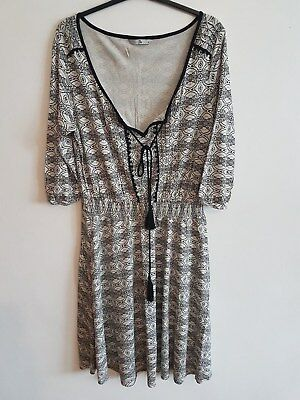 Ref 102 -TU - Ladies Womens Girls Black & White Patterned Sleeved Dress Size 12