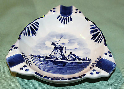 Holland Delft Ashtray Decorative Colorful  Vibrant Beautiful Piece Look!