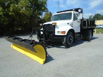 1996 International 4900 Automatic Contractor Snow Plow/ Dump Truck