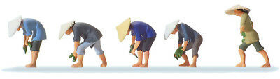 HO Scale People -  At the rice Field (2)
