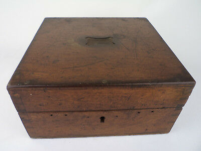 67 OLD CARRIAGE BOX WOOD ENGLAND 1890 s LORD PREMISE TRAVEL house cabinet decor
