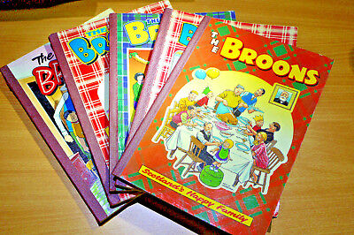 Vintage Collection set 5x `The Broons` scottish comic bi-annual