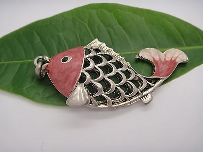 TIBET SILVER HOLLOW OUT FISH STATUE FIGURINE NECKLACE PENDANT COLLECTABLE red