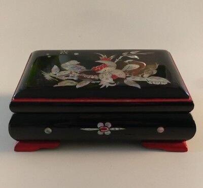 Vintage Chinese Red & Black Lacquer Box Bird & Floral Decoration