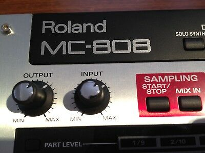 ROLAND MC-808 MUSIC Sampler Groovebox Synth Sequencer 606 909 MPC Beats  Looper