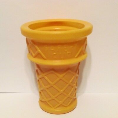 """Safe-T Cup Ice Cream Cone Dairy Queen Display 6"""" Cone Only"""