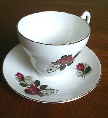 PALL-MALL-LOVELY-BONE-CHINA-RED-ROSE-LARGE-XL-300ml-CUP & SAUCER SET