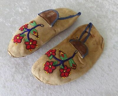 Vtg Native American handbeaded leather moccasins hand beaded floral adult 8