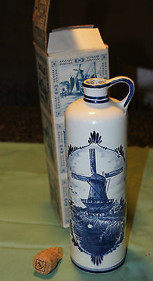 Delft Bols Liquor Bottle With Original Box Beautiful Piece Look!