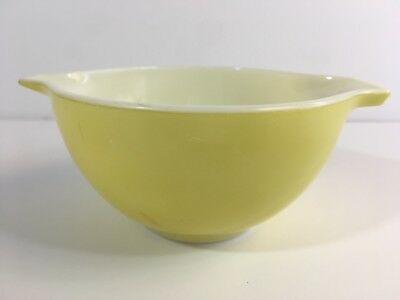 Vintage Pyrex Yellow Mixing Nesting Bowl With Pouring Spout 1 1/2 Pint #441