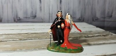 dept 56 Halloween Dracula Out for a Bloody Good Time Elvira Figurine 4025347