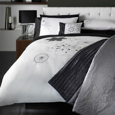 Luxury Double Jeff Banks Ports Of Call Spiro Black Silver Embroidery Duvet Set