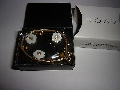 Avon Genuine Mother Of Pearl Flower Bracelet New In Box Goldtone Faux Leather