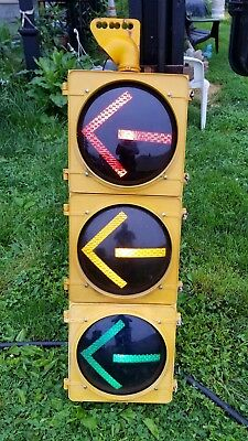 "12"" McCain traffic light with arrows, no visors"