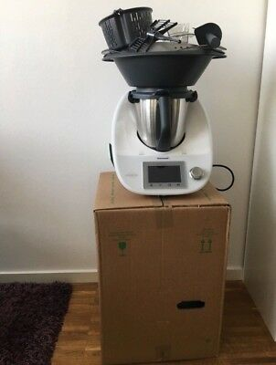 vorwerk thermomix tm5 tm 5 mit transparentem varoma und. Black Bedroom Furniture Sets. Home Design Ideas