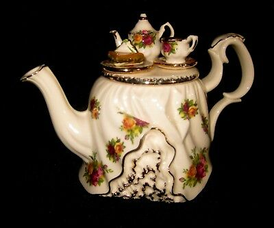 Royal Albert Old Country Roses Unique ' Ruffled ' Miniature Decorative Teapot*