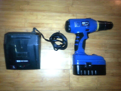 Master Mechanic 565026 18V Cordless Drill/Driver with built in level and light