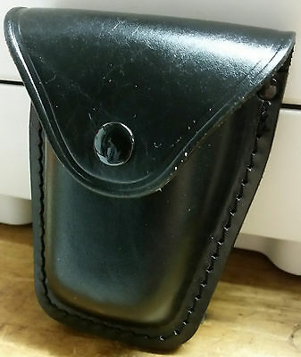 Leather Duty Handcuff Case - used by most Security Guards in the United States