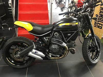 Ducati Scrambler FULL THROTTLE ONLY 2700 MILES FROM NEW !!
