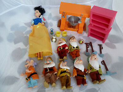 "Disney Snow White and the Seven Dwarfs  Toy Figure Set with Accessories 4"" tall"