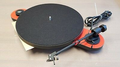 Pro-Ject Elemental (DC) - OM5E - Red/Black turntable. Used - Near new condition.